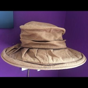 '90s camel hat
